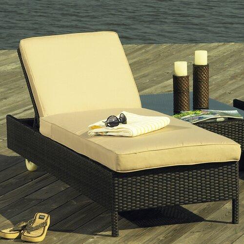 South Hampton Chaise Lounge with Cushion