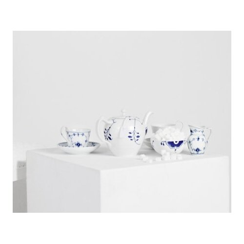 Royal Copenhagen Blue Fluted Mega 1.05-qt. Teapot