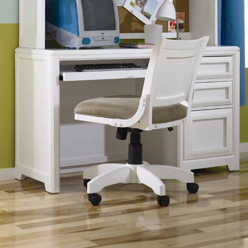 Lea Industries Elite Reflections Child's Desk with Keyboard Tray