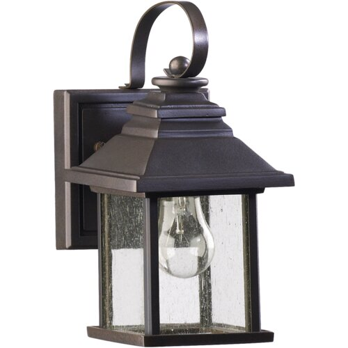 Quorum Pearson 1 Light Outdoor Wall Lantern