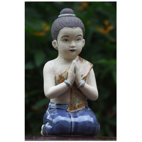 Thai Sawasdee Girl Figurine