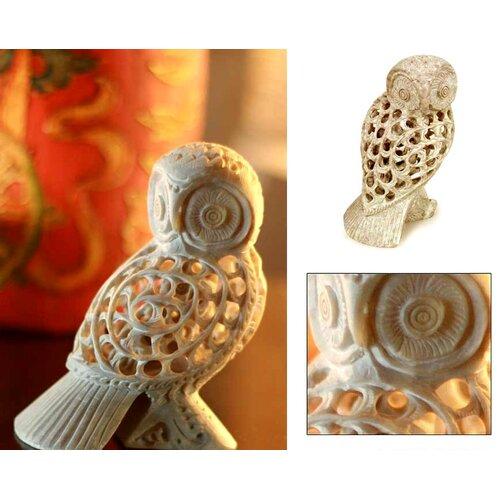 Novica 'Mother Owl' Figurine