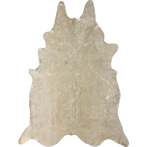 nuLOOM Cowhide Snow Novelty Shaped Rug