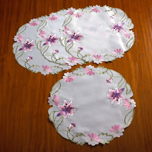 Seville Embroidered Vintage Lace Design Round Doilie (Set of 4)
