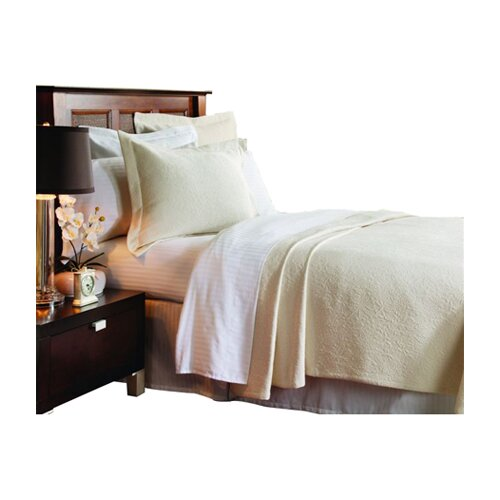 Caravelle Matelassé Season Brook Hill Coverlet