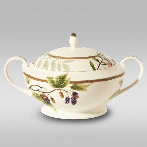 Berries and Brambles 2.25-qt. Porcelain Round Casserole