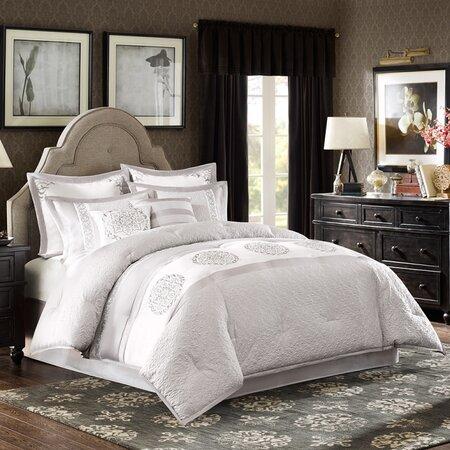 Arianne 8 Piece Comforter Set in Grey