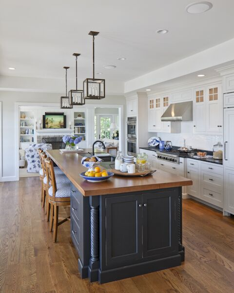 Coastal Kitchen photo by SLC Interiors
