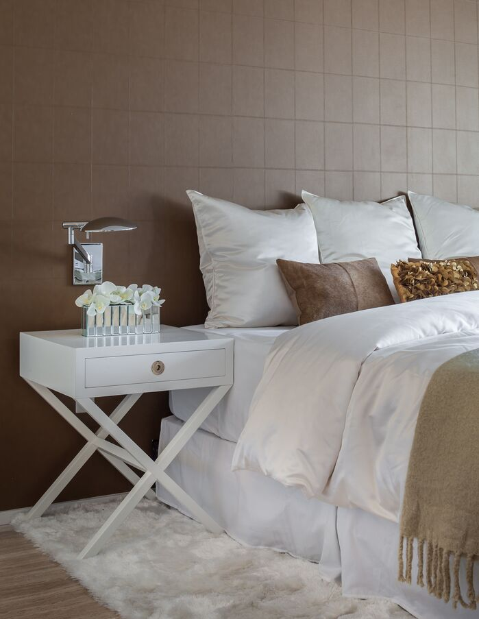 Modern Bedroom photo by 2id Interiors