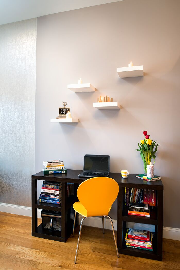 Modern Home Office photo by Tahar Decor