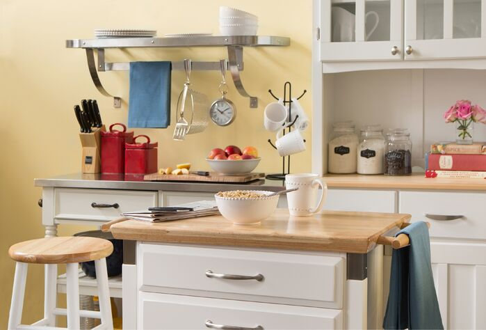 Cottage/Country Kitchen photo by Wayfair