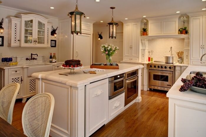 Cottage/Country Kitchen photo by SCM Design Group