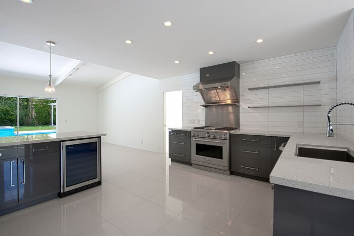 Modern Kitchen photo by H3K Design