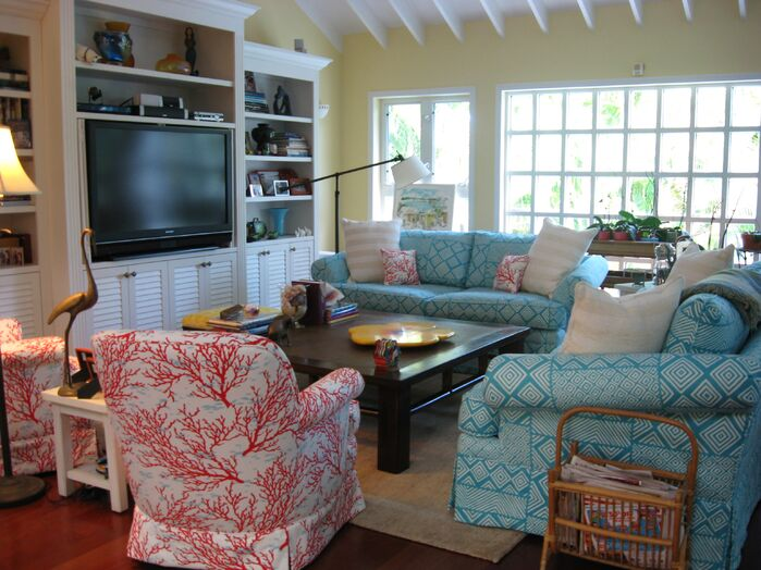 Coastal Living Room photo by Sweet Surroundings Design Group