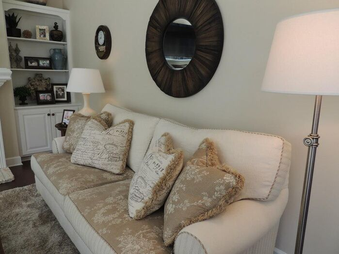 Coastal Living Room photo by Housedressings Interiors LLC.
