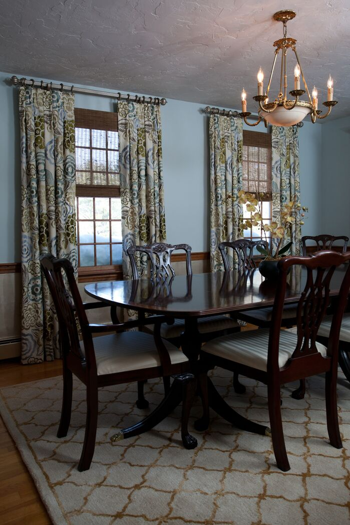 Traditional Dining Room photo by Susan Hayward Interiors