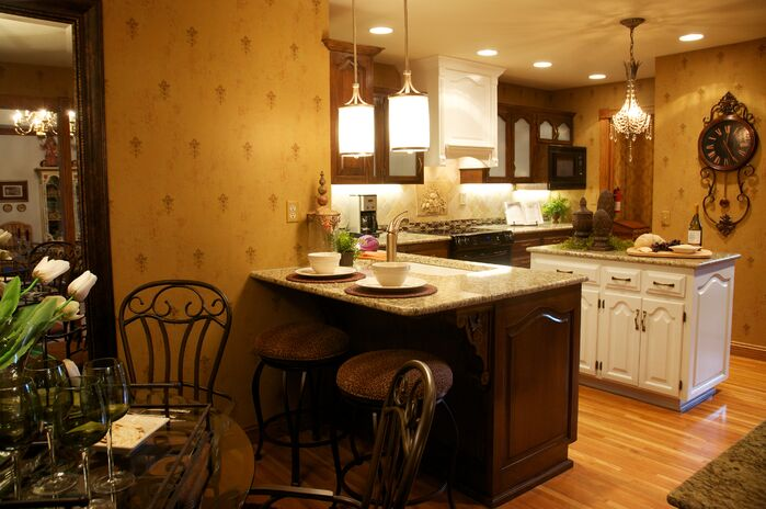 Traditional Kitchen photo by Gina McMurtrey Interiors LLC