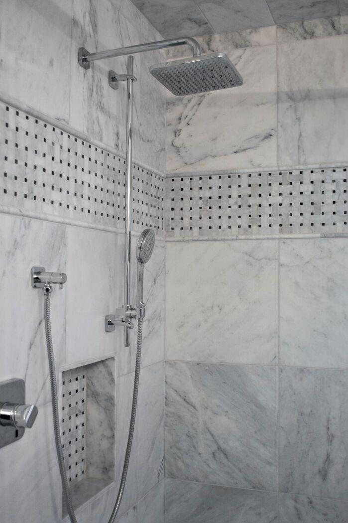 Contemporary Bathroom photo by AMR Design