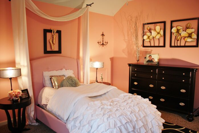 Traditional Bedroom photo by Adentro Designs