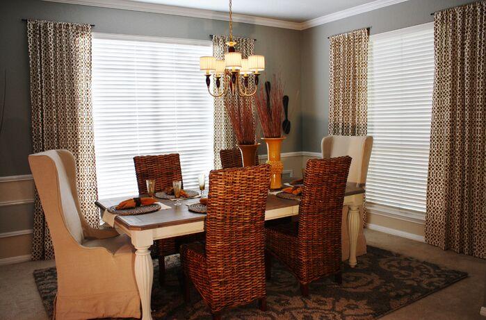 Coastal Dining Room photo by Adentro Designs