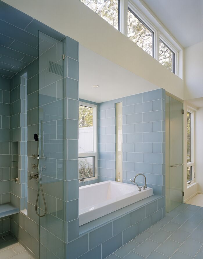 Contemporary Bathroom photo by Lisa Dubin Architect