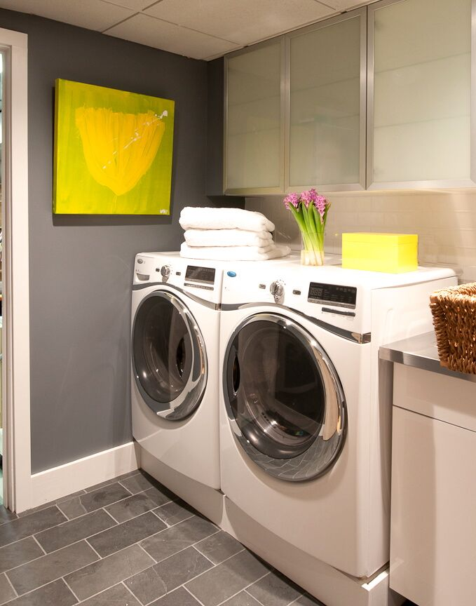 Contemporary Laundry/Mud room photo by D2 Interieurs