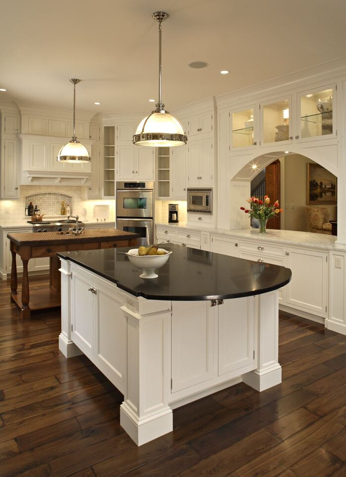 Traditional Kitchen photo by Hendel Homes