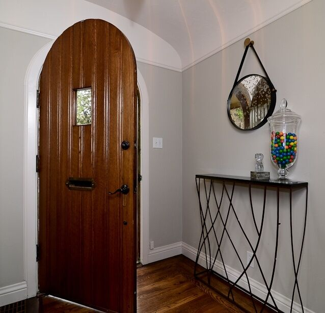 Contemporary Entryway and Hallway photo by Kerrie Kelly Design Lab