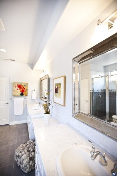 Contemporary Bathroom photo by Kerrie Kelly Design Lab