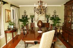 Traditional Dining room photo by Robinson Interiors