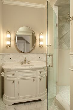 Traditional Bathroom photo by Hendel Homes