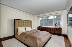 Contemporary Bedroom photo by Frank Pizzurro Architects PC