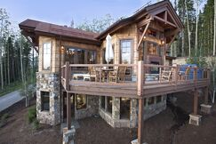 Rustic Exterior/Patio photo by Studio Frank