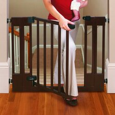 <strong>Summer Infant</strong> Sure and Secure Deluxe Top Of Stairs Wood Walk-Thru Gate