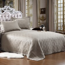 <strong>Textiles Plus Inc.</strong> Quilted Bedspread Set