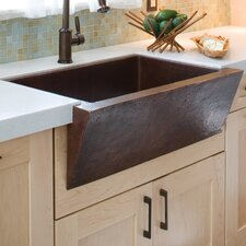 "33"" x 22"" Zuma Hand Hammered Farmhouse Kitchen Sink"