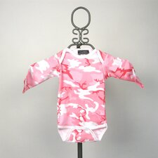 Long Sleeve Infant Bodysuit in Pink Camouflage