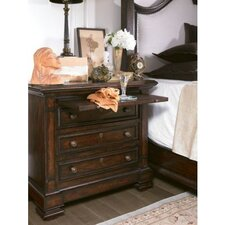 <strong>Stanley Furniture</strong> European Farmhouse Brittany Bachelor's 3 Drawer Chest
