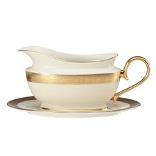Westchester 16 oz. Gravy Boat with Tray