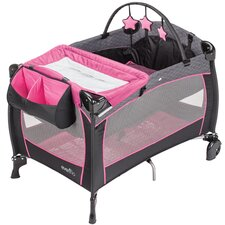 <strong>Evenflo</strong> Portable BabySuite Deluxe Playard