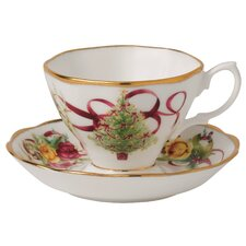 <strong>Royal Albert</strong> Old Country Roses Christmas Tree Teacup and Saucer (Set of 2)