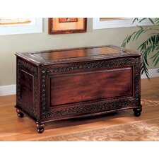 <strong>Wildon Home ®</strong> Cedar Chest