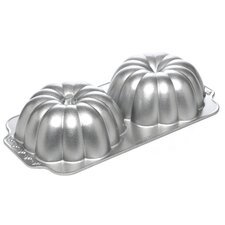 Seasonal 3D Great Pumpkin Bundt Pan