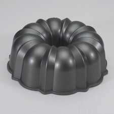 <strong>Nordicware</strong> Original Bundt Pan