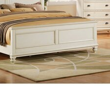 <strong>Riverside Furniture</strong> Coventry Panel Bed