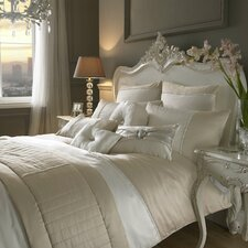 Yarona Bedding Collection
