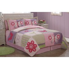 <strong>My World</strong> Pink Butterfly Flower Quilt Set