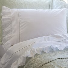 <strong>Taylor Linens</strong> Prairie Crochet Cotton Pillowcase (Set of 2)