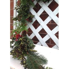 Aw Red Berry and Pine Garland