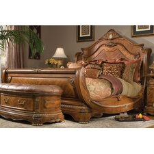 <strong>Michael Amini</strong> Cortina Sleigh Bed